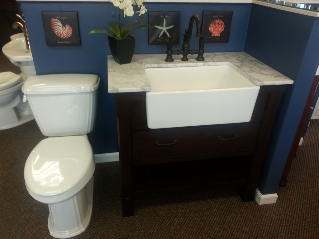 Sink and vanity ideas for a small bathroom for Bath toilet and sink