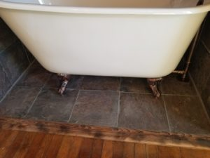 tile floor and clawfoot tub drain assembly